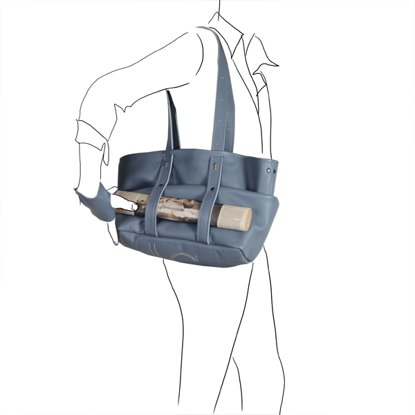 Catherine Loiret, Des sacs en cuir, raffinés, dissimulent des trésors de détails, de flexibilité et de jeux journal sur sac freesize Catherine Loiret