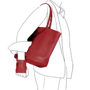 Catherine Loiret, Des sacs en cuir, raffinés, dissimulent des trésors de détails, de flexibilité et de jeux SIMPLISSIME rouge