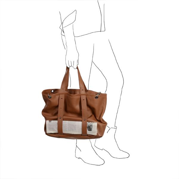 Catherine Loiret, Des sacs en cuir, raffinés, dissimulent des trésors de détails, de flexibilité et de jeux freesize-A4 bag leather Catherine Loiret